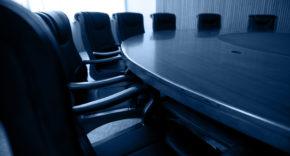 Low-level support for CEOs becoming chairmen, poll suggests