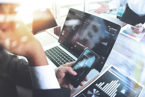 Digital business, digital risk, mobile working, digital age