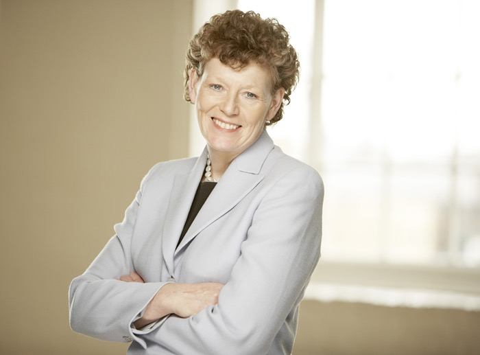 Dr Vivienne Cox