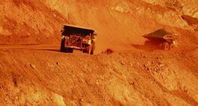 Investors ramp up pressure on BHP Billiton over dual listing