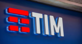Telecom Italia executives quit, as investor Elliott calls move 'stalling'